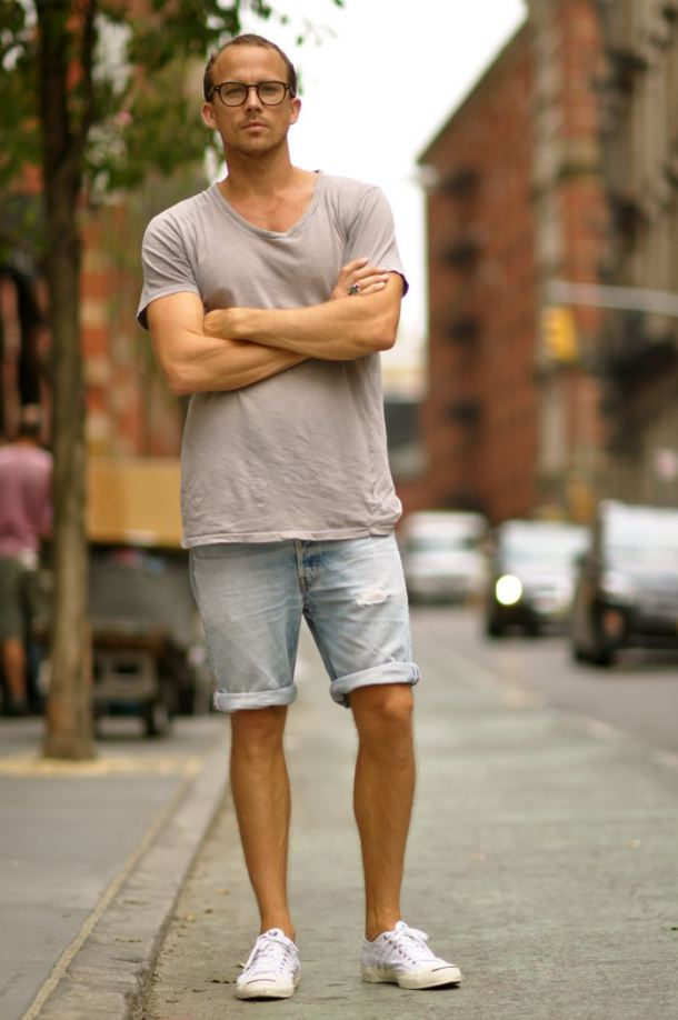 The 20 Best Summer Shoes for Men. Find the kicks that will fit your summer style The Best Shoes to Wear with Shorts Skip Ad. Advertisement - Continue Reading Below. Share. Tweet.
